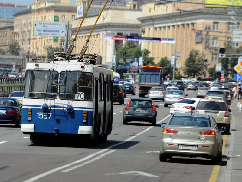 С 10.00 часов закроют проезд по улицам Охотный ряд и Моховая. - Вечерняя  Москва c1d015674cf