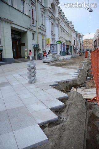 10 июня временно исполняющий обязанности мэра Москвы Сергей Собянин  проконтролировал ход благоустройства пешеходной зоны на Никольской bc3a81ec9a7