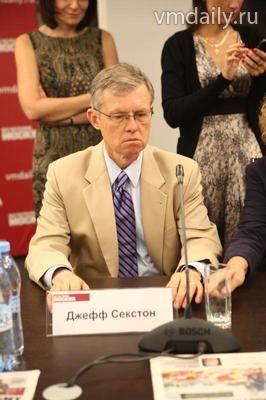 Джефф Секстон, министр-советник по делам печати и культуры Посольства США