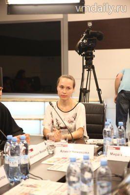Участница круглого стола на тему: Духовное наследие Русской Америки и Российско-Американские отношения