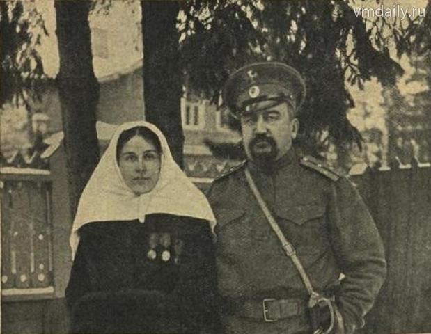 Александр Куприн, призванный в чине поручика на Первую мировую войну, с Елизаветой Морицевной Куприной