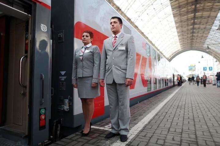 Публик агент в поезде