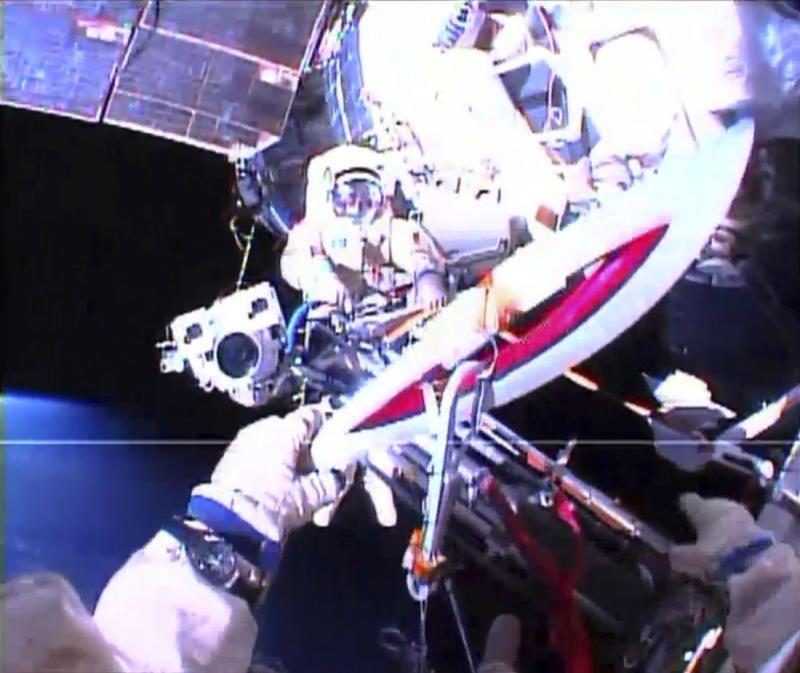 В открытом космосе и вернулись на мкс