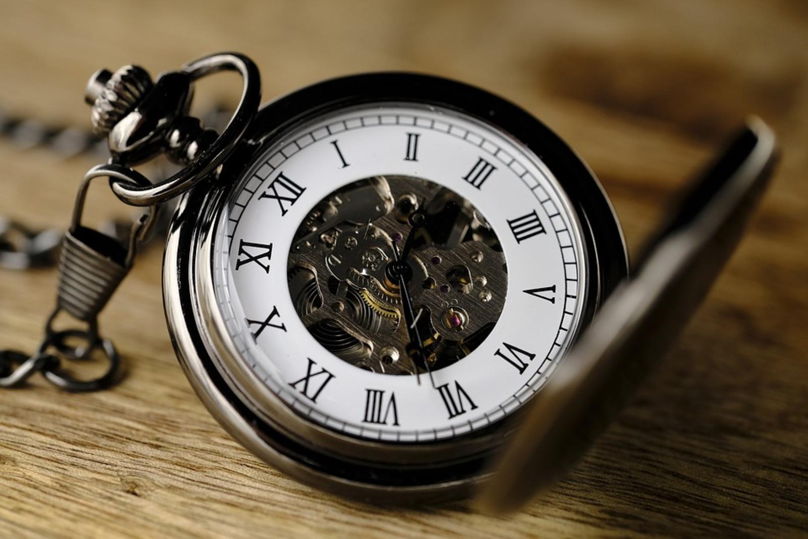 0d7b2118 Дорогостоящие часы фирмы Rolex забыл в воскресенье, 9 декабря, в одном из  столичных ресторанов KFC студент второго курса Московского государственного  ...
