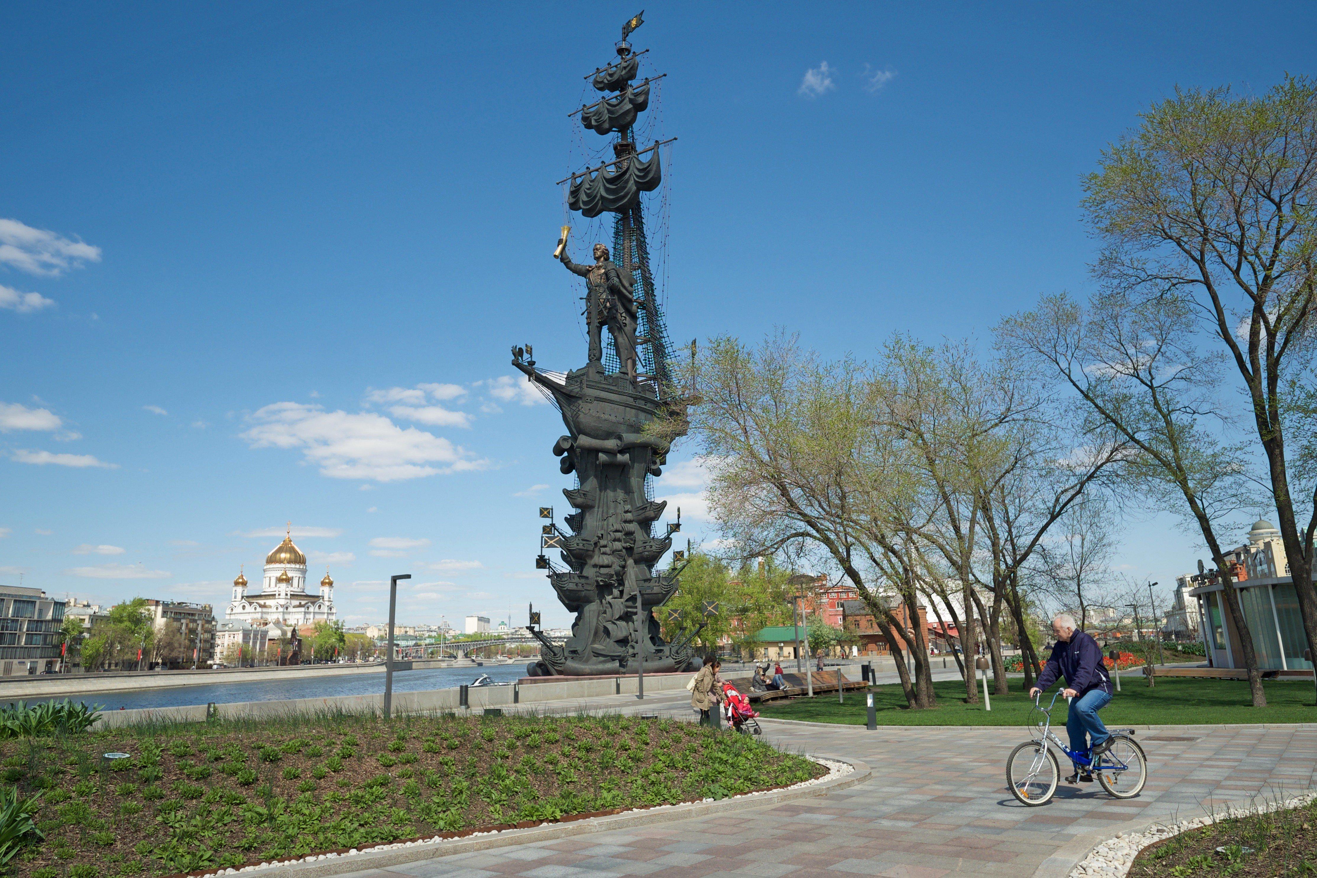 Памятник Зураба Церетели «В ознаменование 300-летия российского флота», или, как его еще называют иначе, — памятник Петру Великому / Агентство городских новостей «Москва»