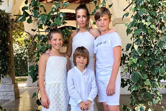Юлия Барановская воспитывает троих детей           Аккаунт Юлии Барановской в Instagram