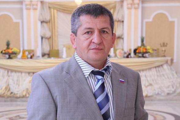 Отец Нурмагомедова заявил о планах обзавестись второй женой