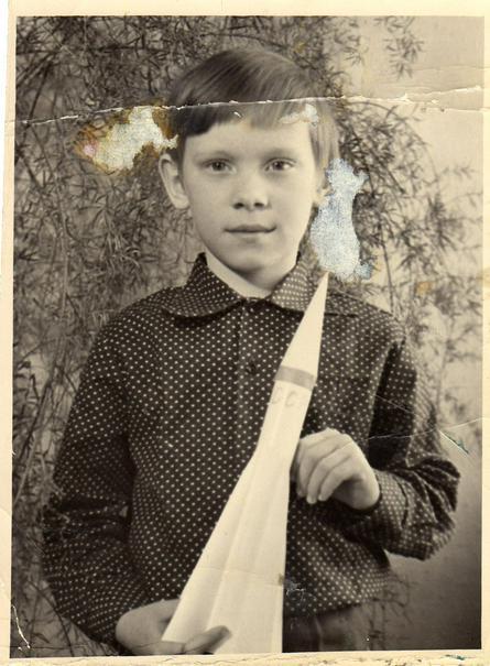 Школьная фотография из семейного фотоальбома Олега Артемьева / из личного архива Олега Артемьева