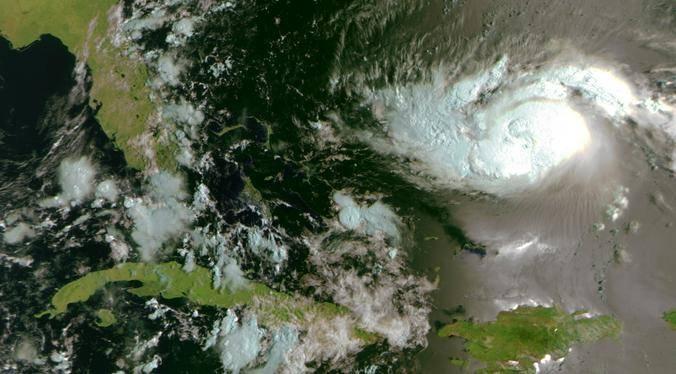 Ураган «Дориан» на снимках спутников дистанционного зондирования Земли «Метеор-М»  / https://www.facebook.com/Roscosmos/Официальная страница Роскосмоса на facebook