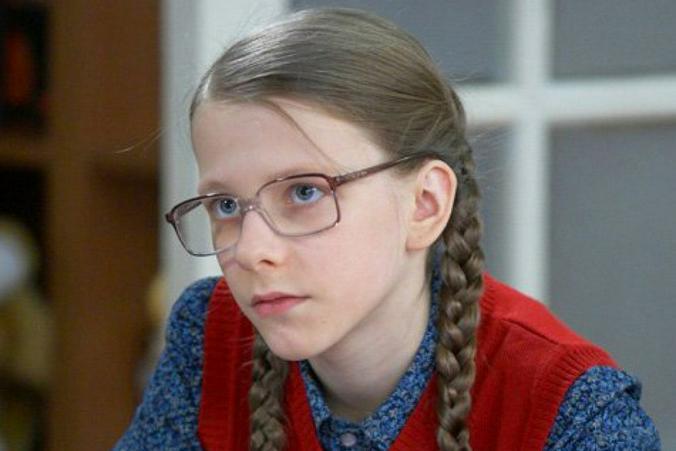 Лиза Арзамасова в роли Галины Сергеевны из сериала «Папины дочки» / Кадр из сериала «Папины дочки»