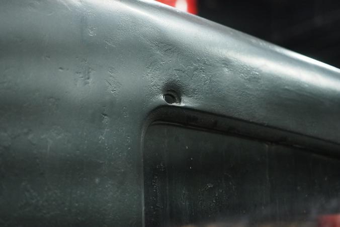 Как рассказал Кирилл Чудаков, грузовик ГАЗ-АА участвовал в боевых действиях — в кабине есть следы от пуль / Сергей Шахиджанян, «Вечерняя Москва»