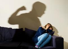 В Уголовном кодексе РФ нет термина «домашнее насилие», зато само насилие процветает. Если побить близкого родственника впервые, то, скорее всего, отделаешься лишь небольшим штрафом. Хулиганам это на руку.
