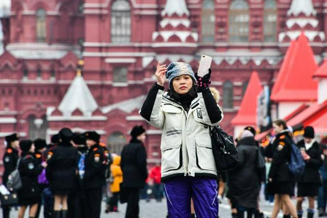 """В столице наблюдается устойчивый рост числа туристов: в этом году их приехало на 20 процентов больше, чем в прошлом / Иванко Игорь/Агенство городских новостей """"Москва"""""""