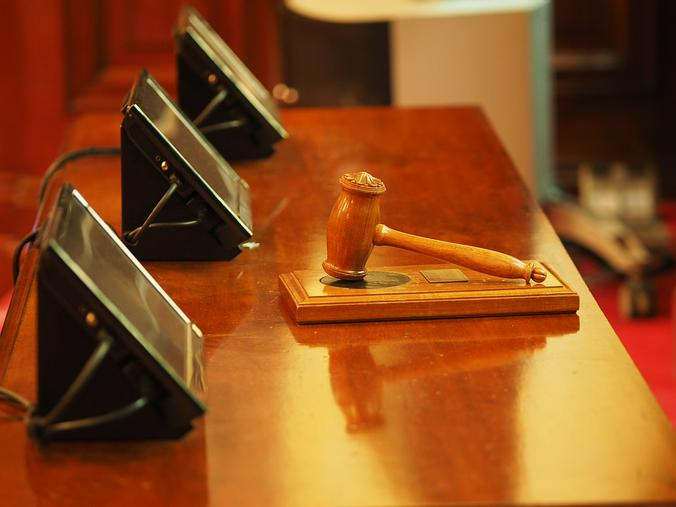 Российские суды стали арестовывать в два раза реже