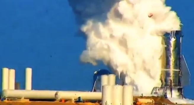 Ракету-корабль Starship Илона Маска разорвало на испытаниях / Скриншот видео РЕН ТВ