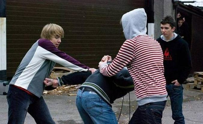 """Часто с конфликтами сталкиваются подростки / кадр из фильма """"Класс"""""""