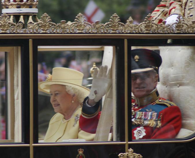 Что сказать — молодец Елизавета Вторая, она всегда в ногу со временем / Wikipedia / Общественное достояние