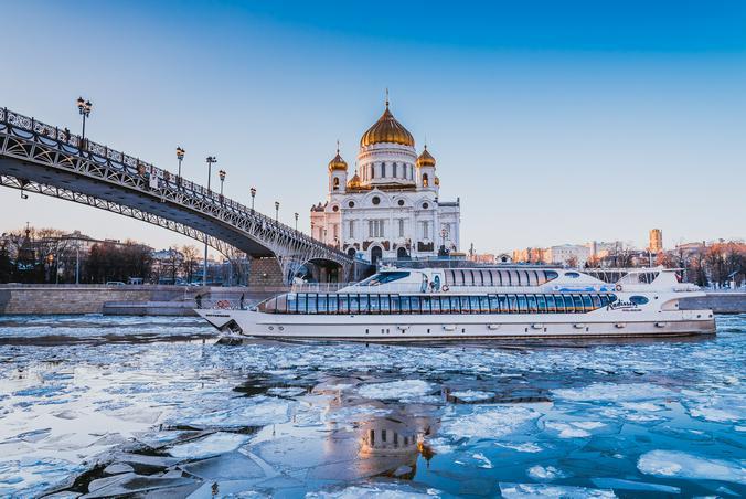 Прогулки по Москве-реке стали важной частью отдыха москвичей и гостей столицы / Предоставлено пресс-службой