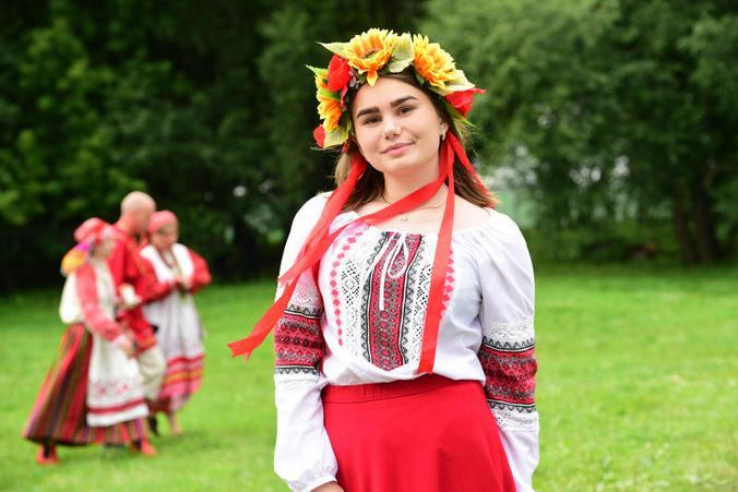 Более четверти опрошенных были уверены, что славянин — это то же, что и русский / Пелагия Замятина, «Вечерняя Москва»