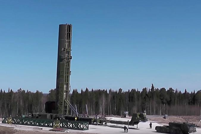 """Российский ракетный комплекс наземного шахтного базирования РС-28 """"Сармат"""" с тяжелой жидкостной межконтинентальной баллистической ракетой """"Сармат"""", которая завершила бросковые испытания / ТАСС"""