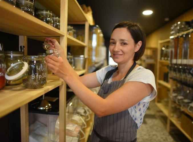 Чаще повышение уровня выплат планируется на предприятиях малого бизнеса, где численность персонала — до 100 человек / Александр Кожохин, «Вечерняя Москва»