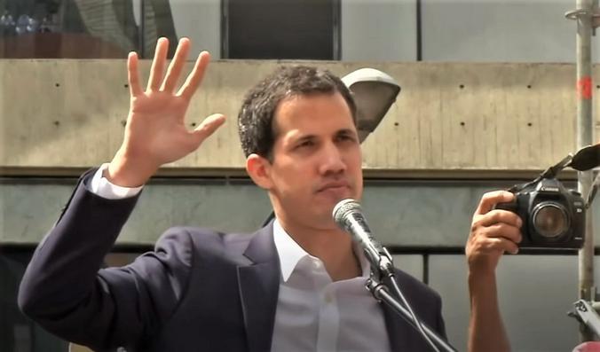 Лидер венесуэльской оппозиции Хуан Гуайдо / Скриншот видео на youtube канале «BBC News — Русская служба»