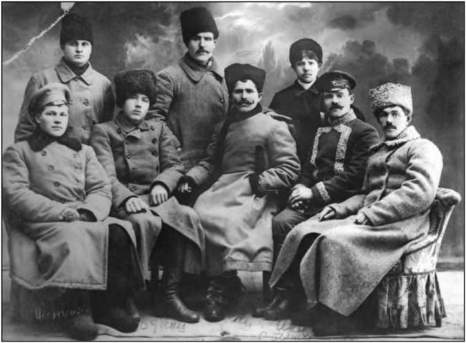 В. И. Чапаев в группе комсостава Красной гвардии / WIkipedia/Общественное достояние