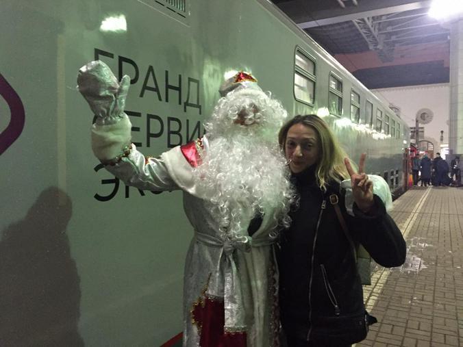 Отправиться первым поездом в Крым решил сам Дед Мороз / Рафаэль Залян, «Вечерняя Москва»
