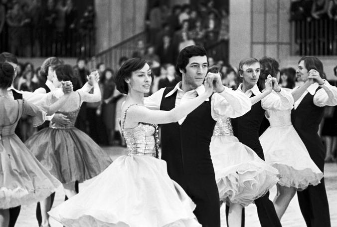 Было. 30 декабря 1980 года. Ежегодный молодежный новогодний бал в Кремлевском Дворце съездов / Борис Кавашкин/ТАСС