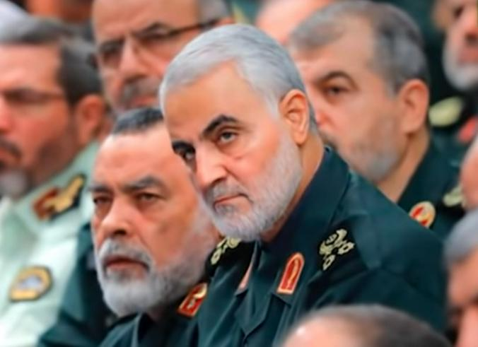 Аятолла Хомейни называл Сулеймани «шахидом при жизни» / Free / Скриншот видео на YouTube (www.youtube.com/watch?v=OMJ9GV8DQNQ)