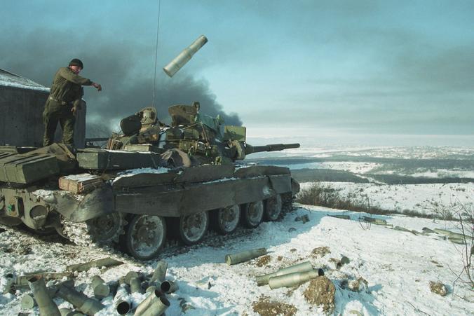 Снимок фотокорреспондента Максима Мармура, представленный на выставке, который он сделал во время чеченской войны / Предоставлено Максимом Мармуром