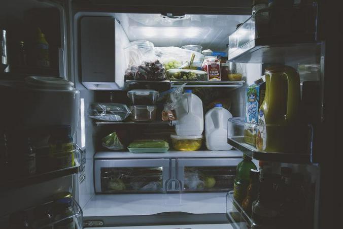 Психологи винят в росте пищевых отходов наши холодильники, объем которых с 60-х годов прошлого века увеличился почти на 40 процентов / pixabay.com