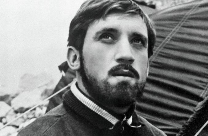 Никита Высоцкий унаследовал от отца любовь к машинам / Кадр из фильма «Вертикаль», 1966 год