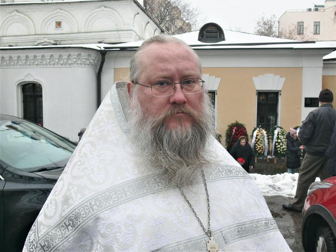 Отец Никон / Олег Сыров, «Вечерняя Москва»