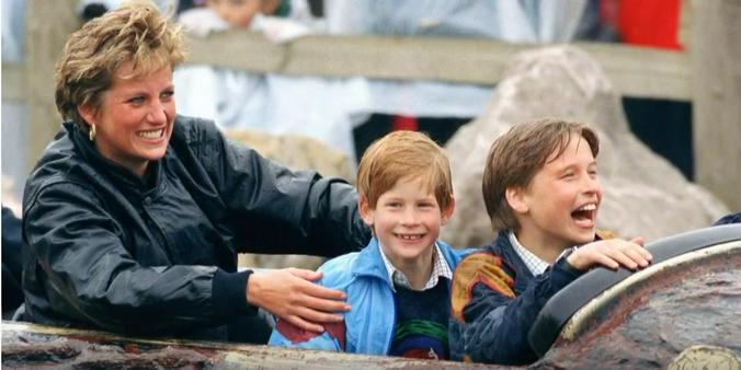 Принцесса Диана с сыновьями — принцем Гарри и принцем Уильямом / Скриншот видео YouTube-канала Vadim777Bogaturov