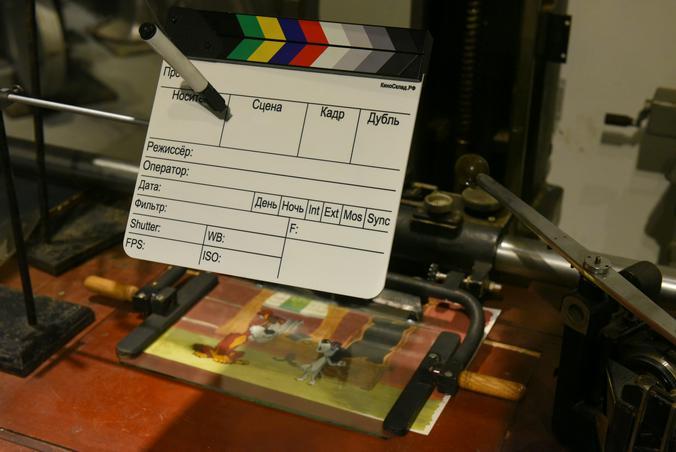 На таких мультипликационных столах снимали любимые всеми рисованные советские мультфильмы / Александр Кожохин, «Вечерняя Москва»