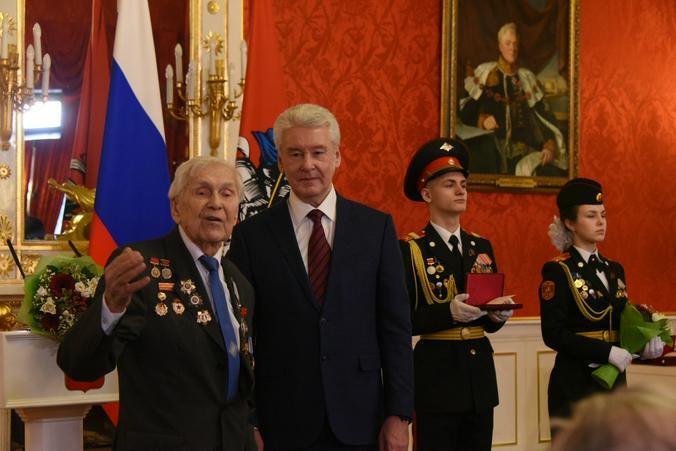 Владимир Новиков, «Вечерняя Москва»
