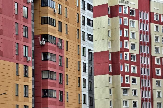 За первое полугодие в Москве заключено более 400 электронных договоров по продаже городской недвижимости. Фото: Анна Быкова