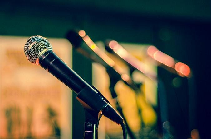 Димаш Кудайберген поет песни на разных иностранных языках: на русском, украинском, английском, французском, итальянском / pixabay.com
