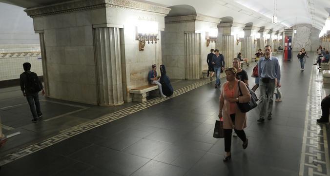 Евгению Гусеву очень нравится станция «Смоленская» Арбатско-Покровской линии / Антон Гердо, «Вечерняя Москва»