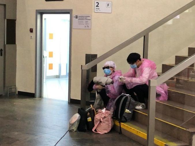 Есть теория, что может быть вторая волна коронавируса, поэтому в Китае никто не расслабляется / предоставлено Марией Чернецкой