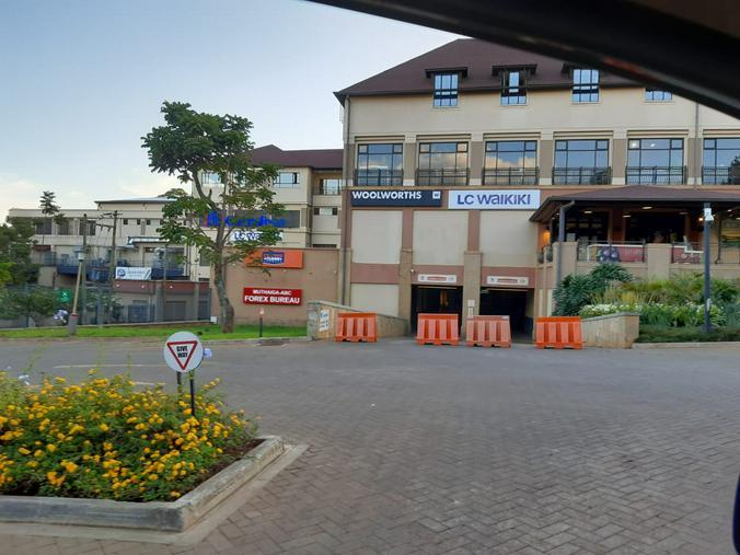 Большинство заведений в Кении закрылось