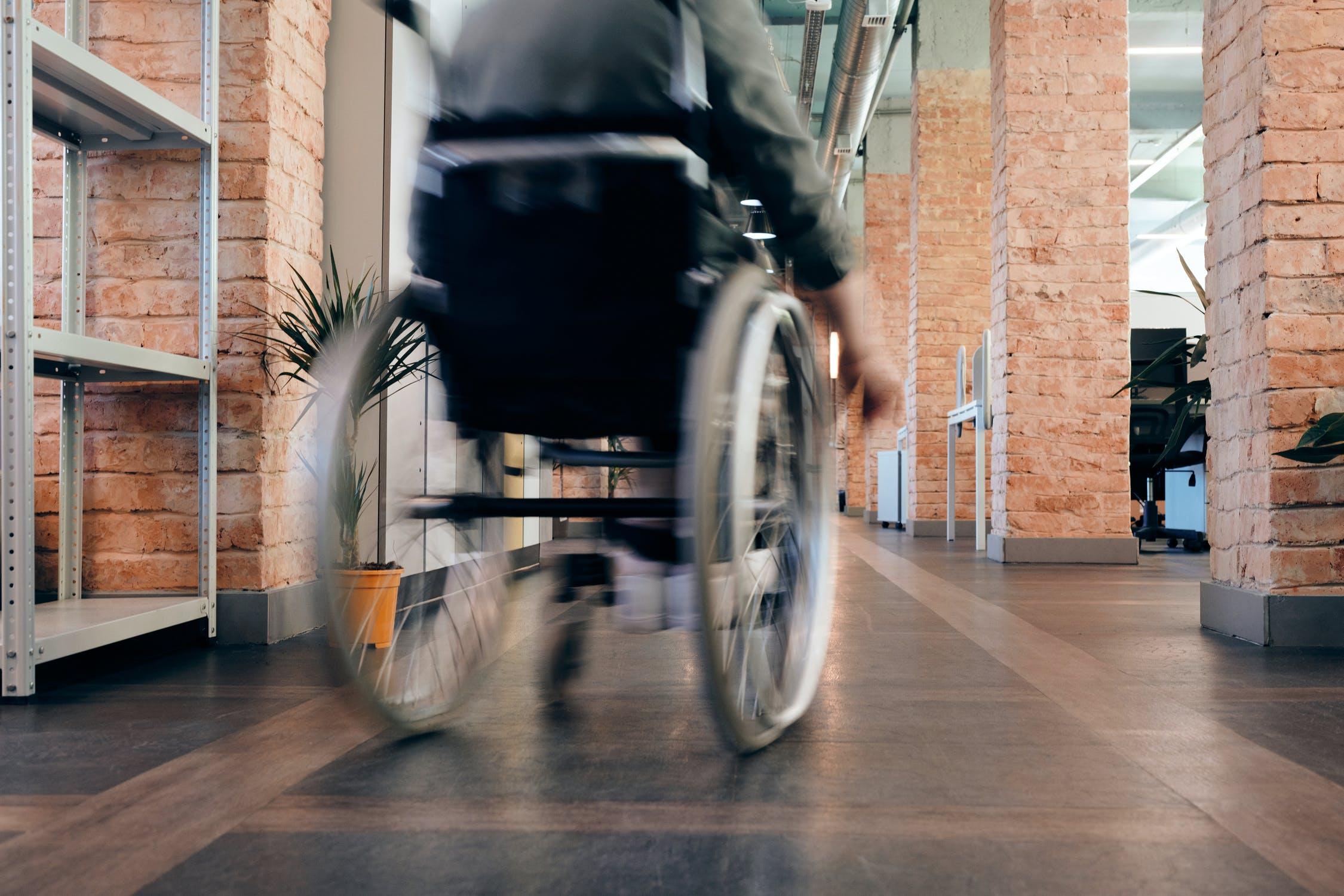 Столичный Главконтроль разберётся со штрафом, выписанным прикованному к постели инвалиду