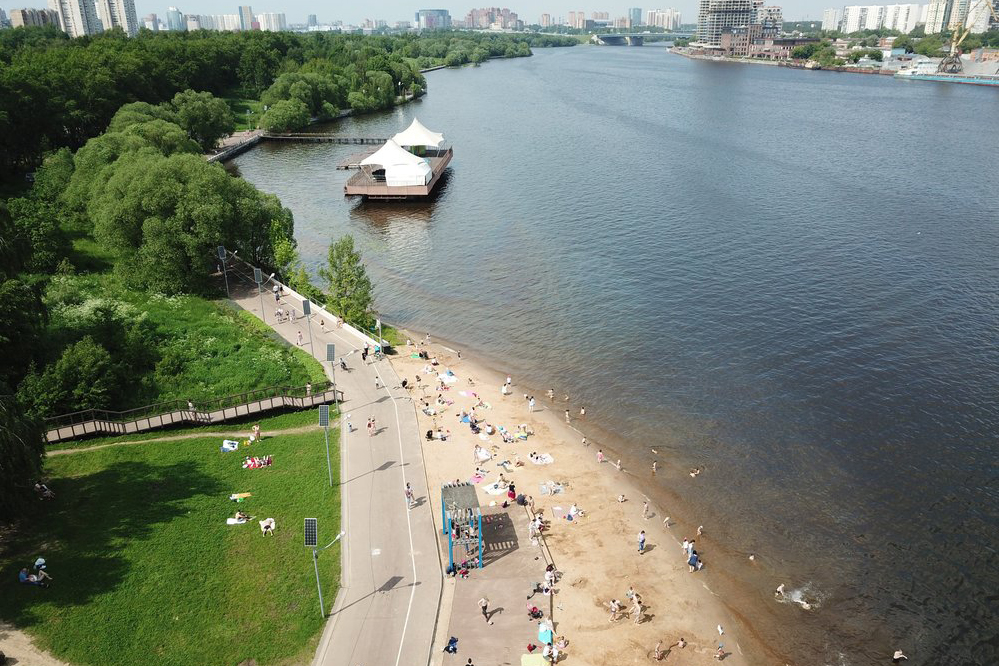 Температура воды в Москве-реке достигла 21 градуса