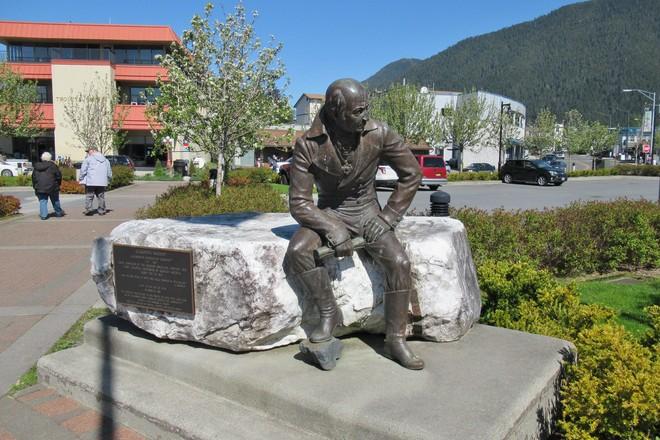Жители Аляски предложили снести памятник правителю русских поселений Александру Баранову / flickr.com/Jasperdo