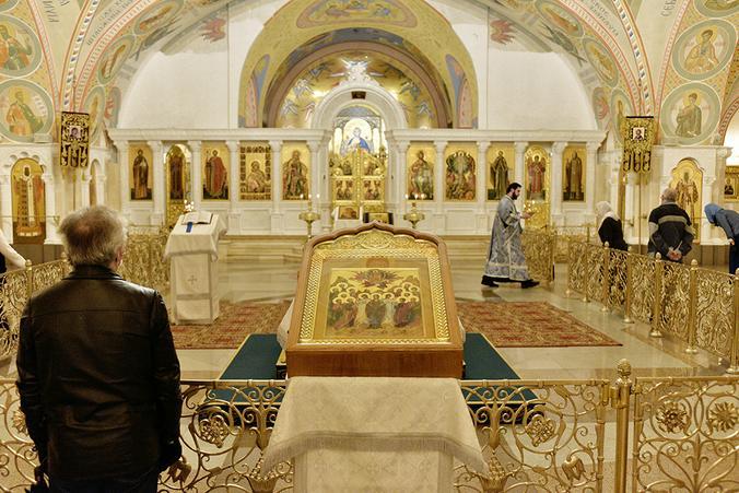 Разве человек приходит в Церковь за человеческой святостью? Нет, за святостью Божией / Пелагия Замятина, «Вечерняя Москва»