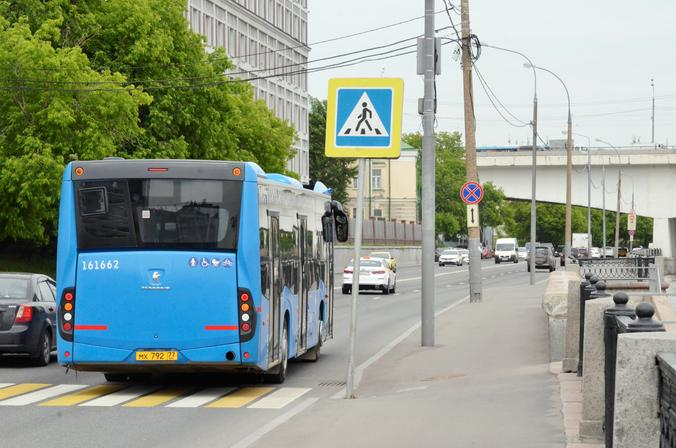 Автобусами-экспрессами с начала года в Москве воспользовались 16 миллионов человек. Фото: Анна Быкова