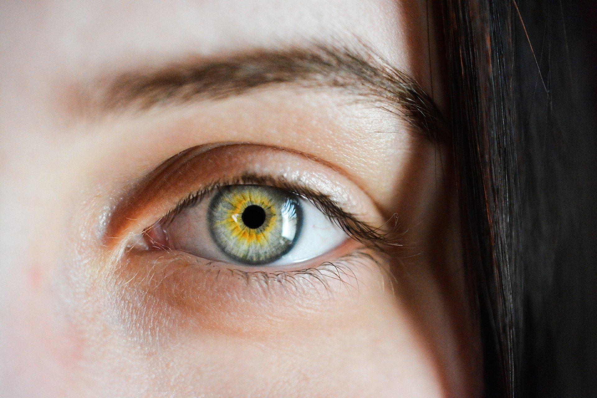 необычные варианты фотографирую левым глазом самая популярная тату