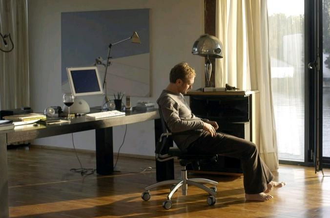 Одиночество на карантине — это не выбор, это обязательство, это практически закон / Кадр из фильма «Одиночество в Сети»