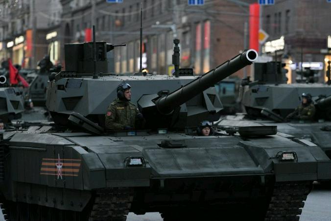 ВСША опубликовали ролик обатаке вертолетов на русские танки «Армата»